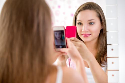 do selfies create narcissistic kids